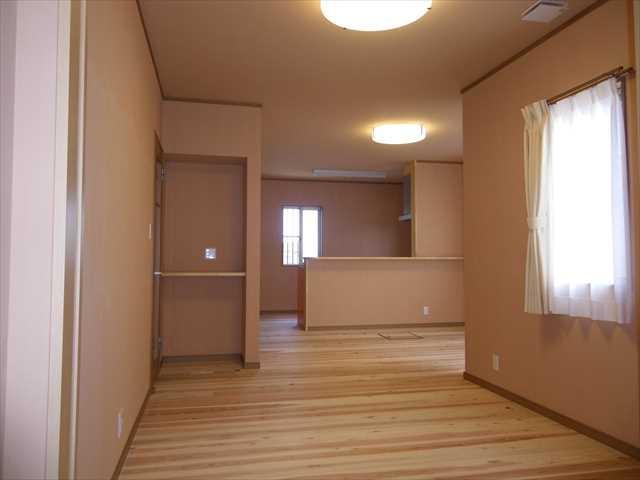 デザインリビングドアと収納棚